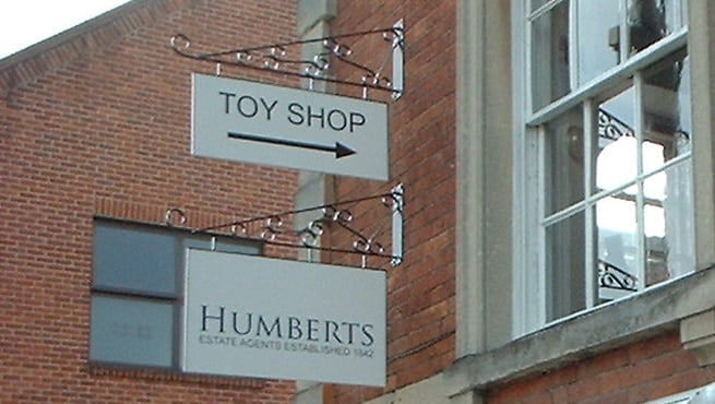 Humberts Toy Shop, Projecting Retail Signage